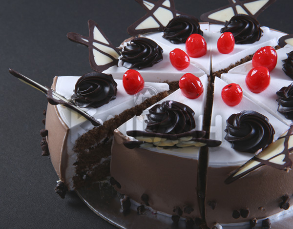 Buy Choco Chip Pastry in Surat, India